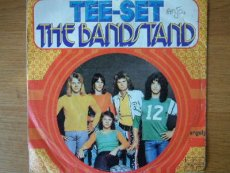 TEE SET - THE BANDSTAND